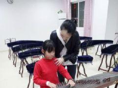 扬州13岁盲女古筝5年过十级寒假将举办古筝…